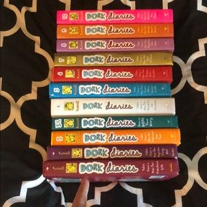 Dork diaries set 1-10 (including 3 1/2)